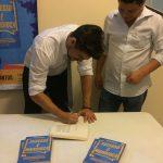 Laçamento livro sucesso é mandioca em Belém palestrante vendas e motivação