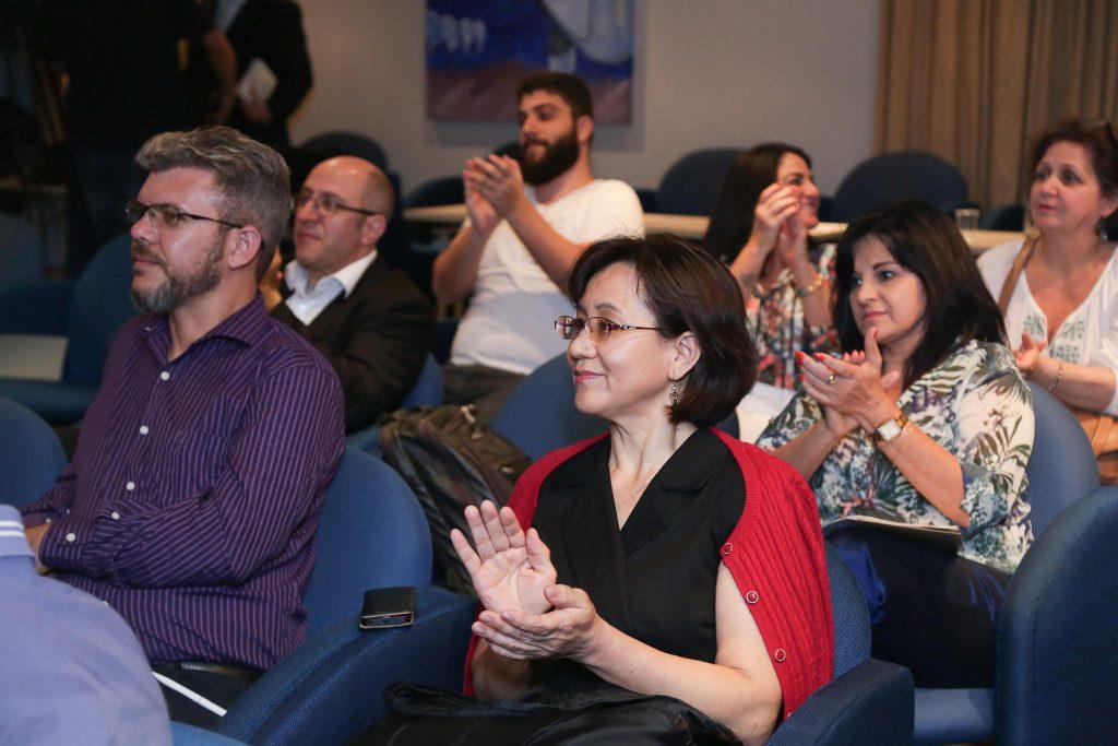 público aplaudindo palestra em são paulo