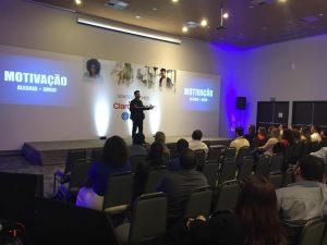 palestrante_motivacional_e_de_vendas_Janderson_santos_convenção