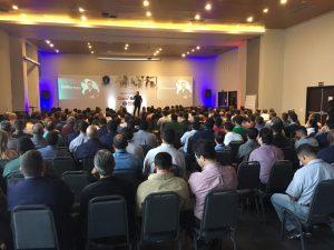 um dos melhores palestrantes do brasil janderson santos evento claro