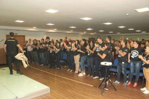 janderson santos aplaudido de pé em manaus convenção de vendas Nova ERA