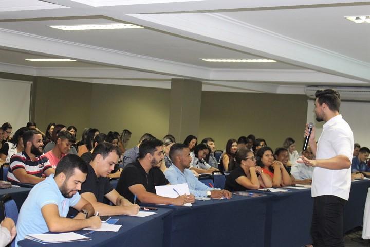 Janderson santos especialista em vendas e motivação o melhor do brasil treinamento expert